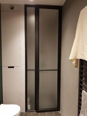 Przeszklenie z drzwiami