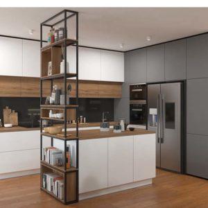 metalowa zabudowa w kuchni; meble do sufitu w kuchni; szare meble popielate kuchnia; czany panel szklany w kuchni